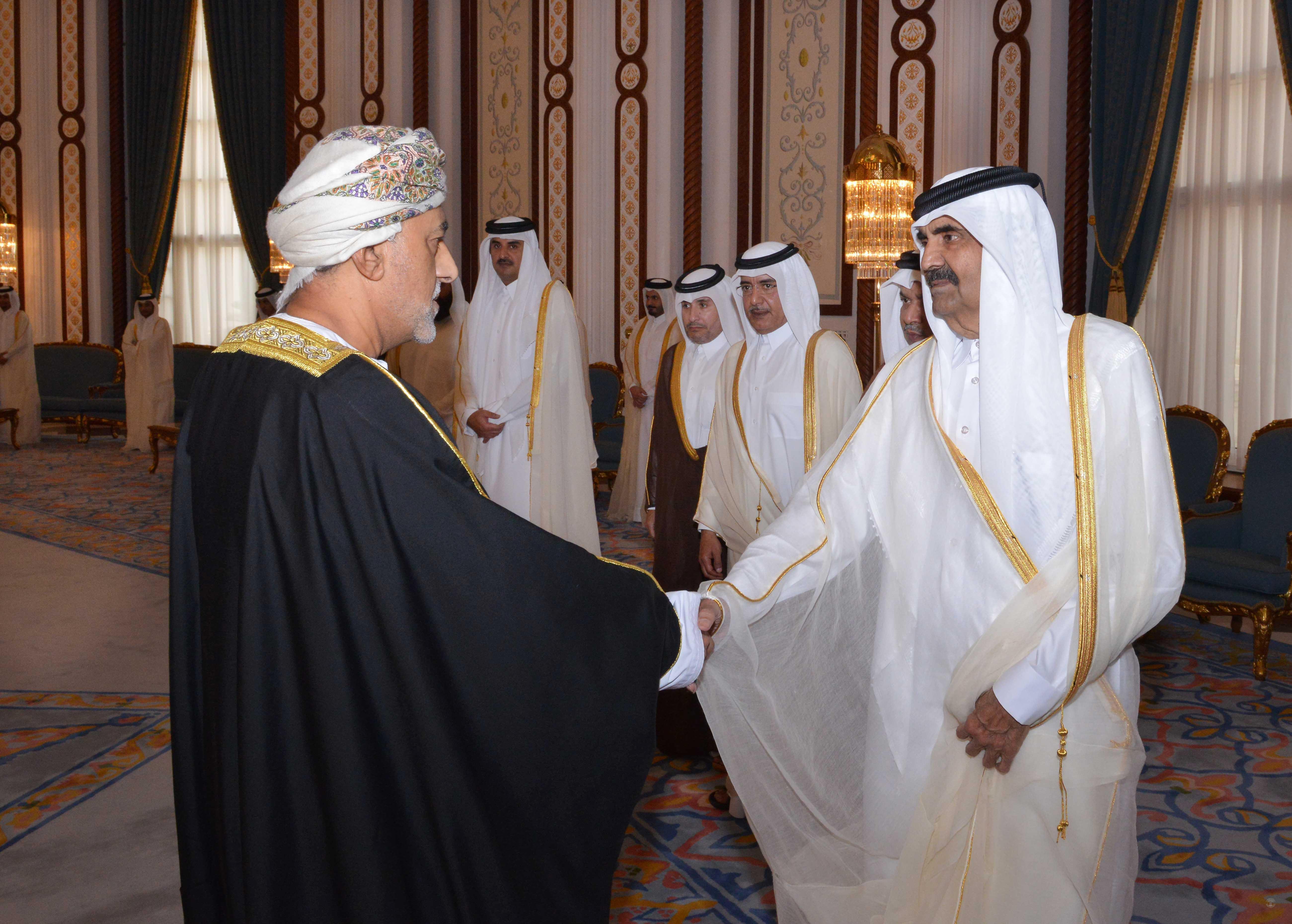 تعازي جلالة السلطان لأمير قطر ينقلها السيد شهاب بن طارق