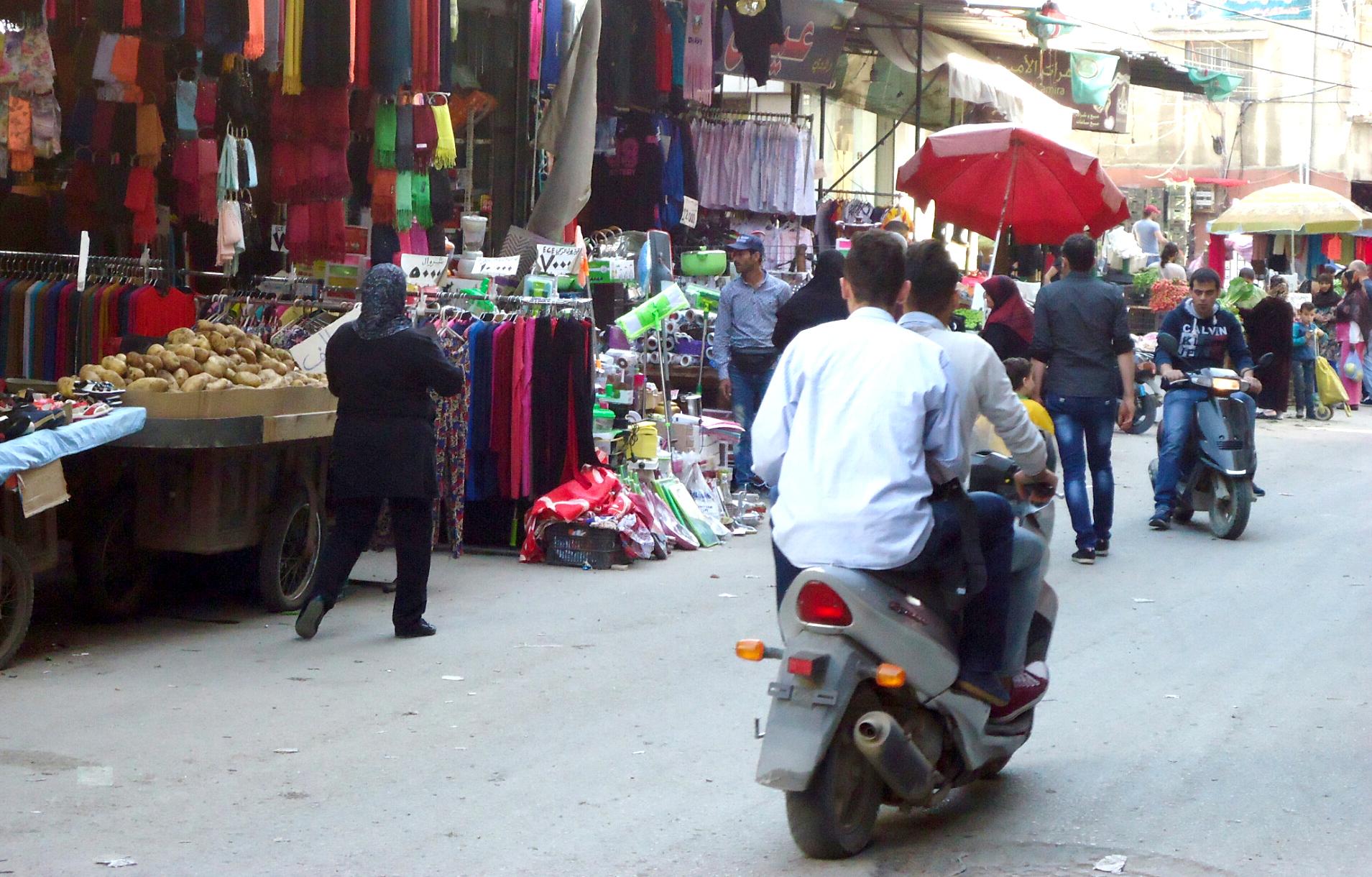 الأزمات تفاقم معدل الفقر في لبنان