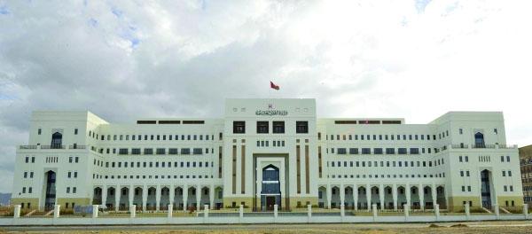 القوى العاملة تسترجع حقوق عمالية بأكثر من 38000 ريال عماني