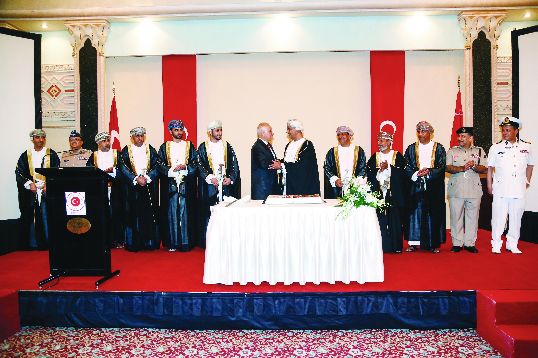 Turkish envoy to Oman marks Republic Day, bids adieu