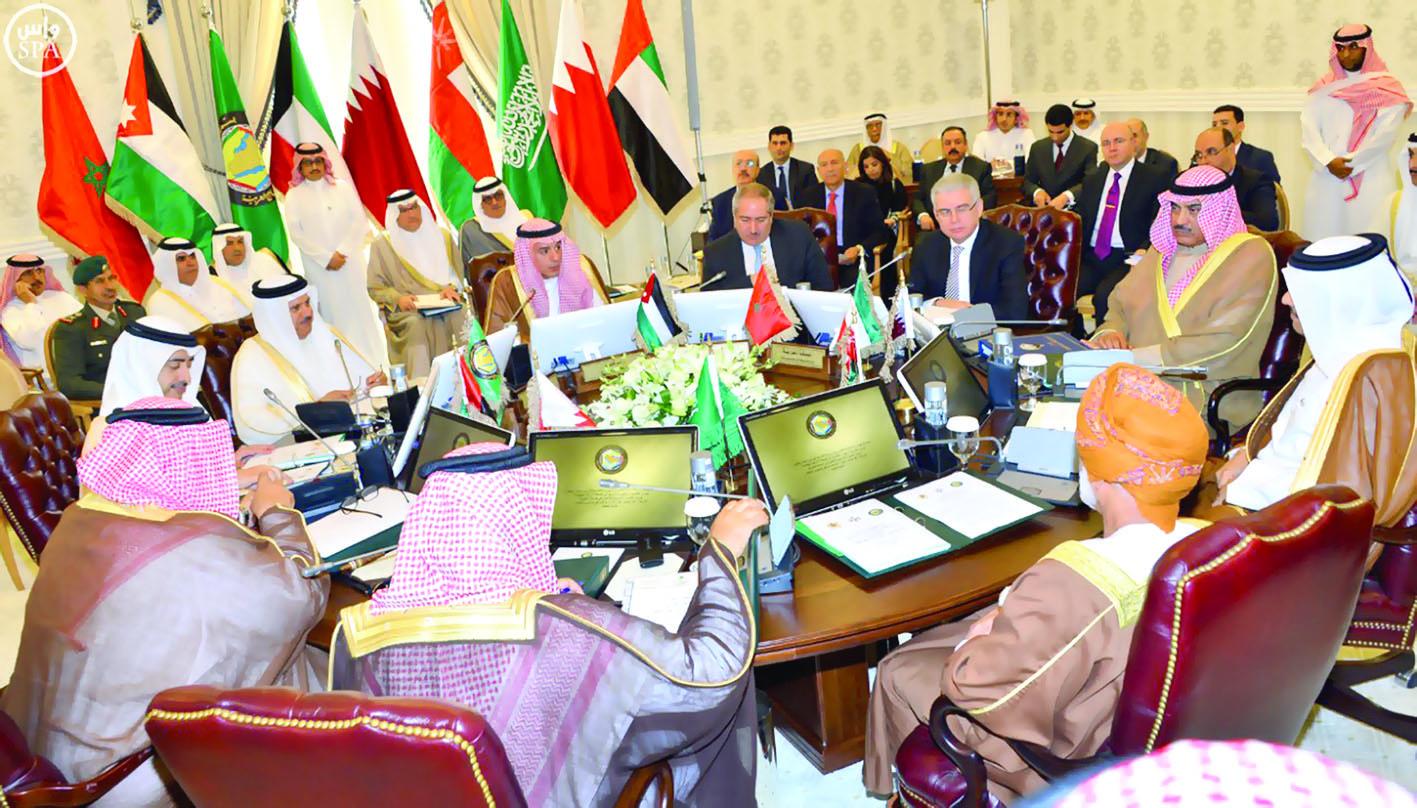 """قطر تدعو إلى حل الخلافات حول """"أمن الخليج"""" بالحوار"""