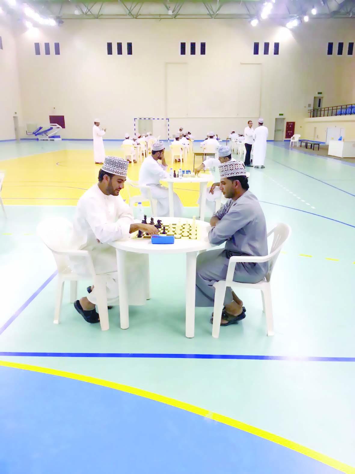 نزوى يحتكر المراكز الأولى في تصفيات بطولة عمان للشطرنج