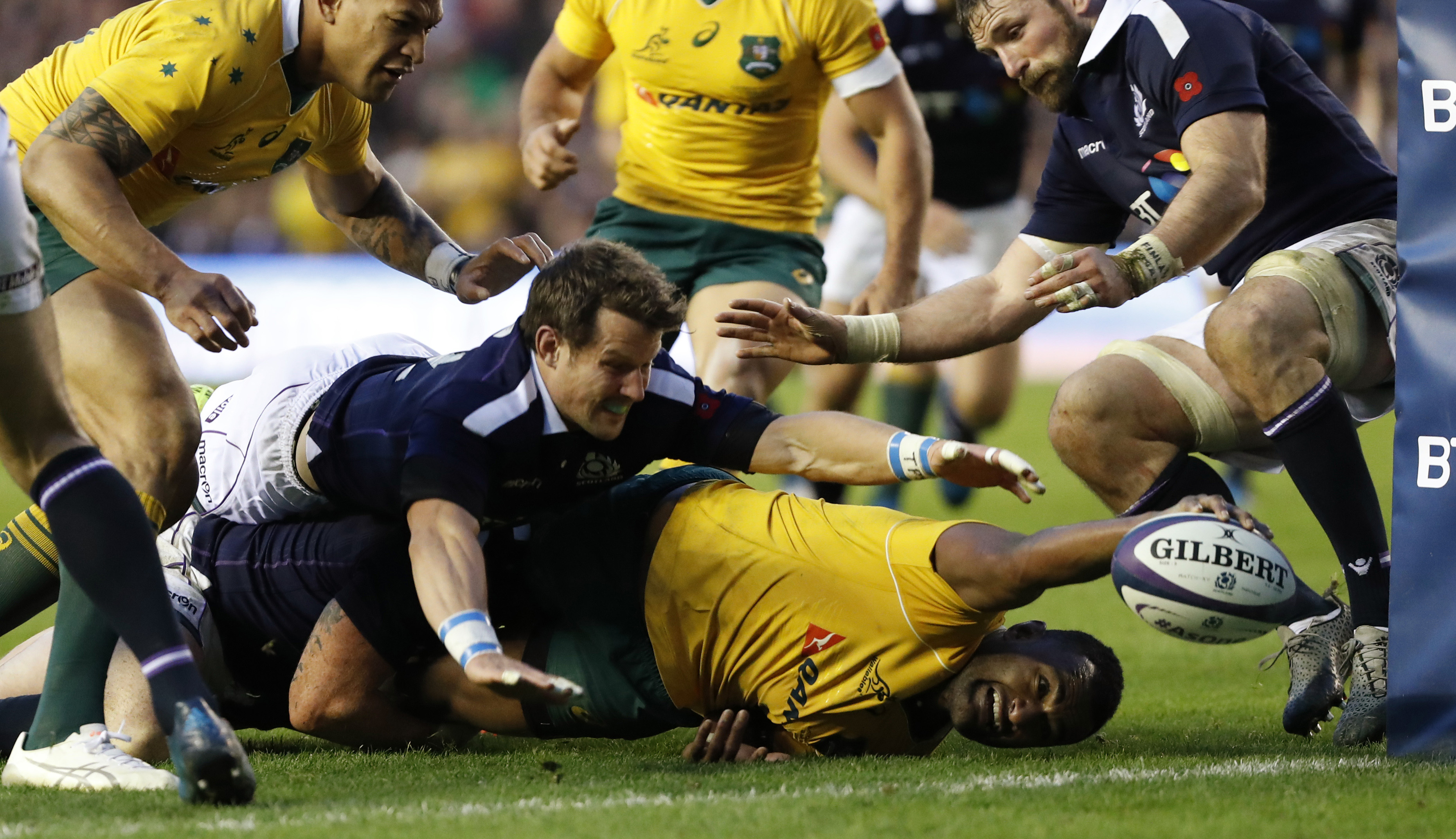 Rugby: Australia deny Scotland at the death once again