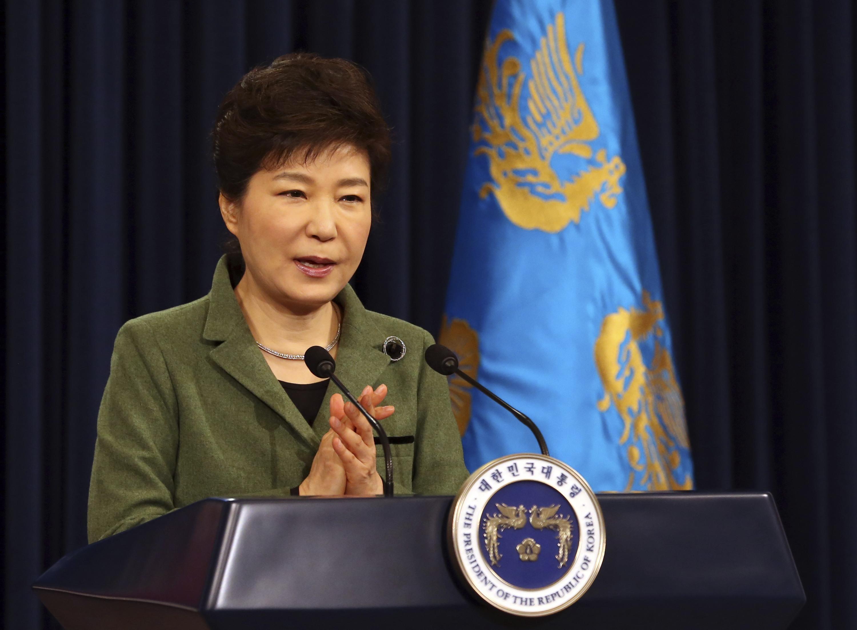لماذ تحقق النيابة العامة فى كوريا الجنوبية مع رئيسة البلاد ؟