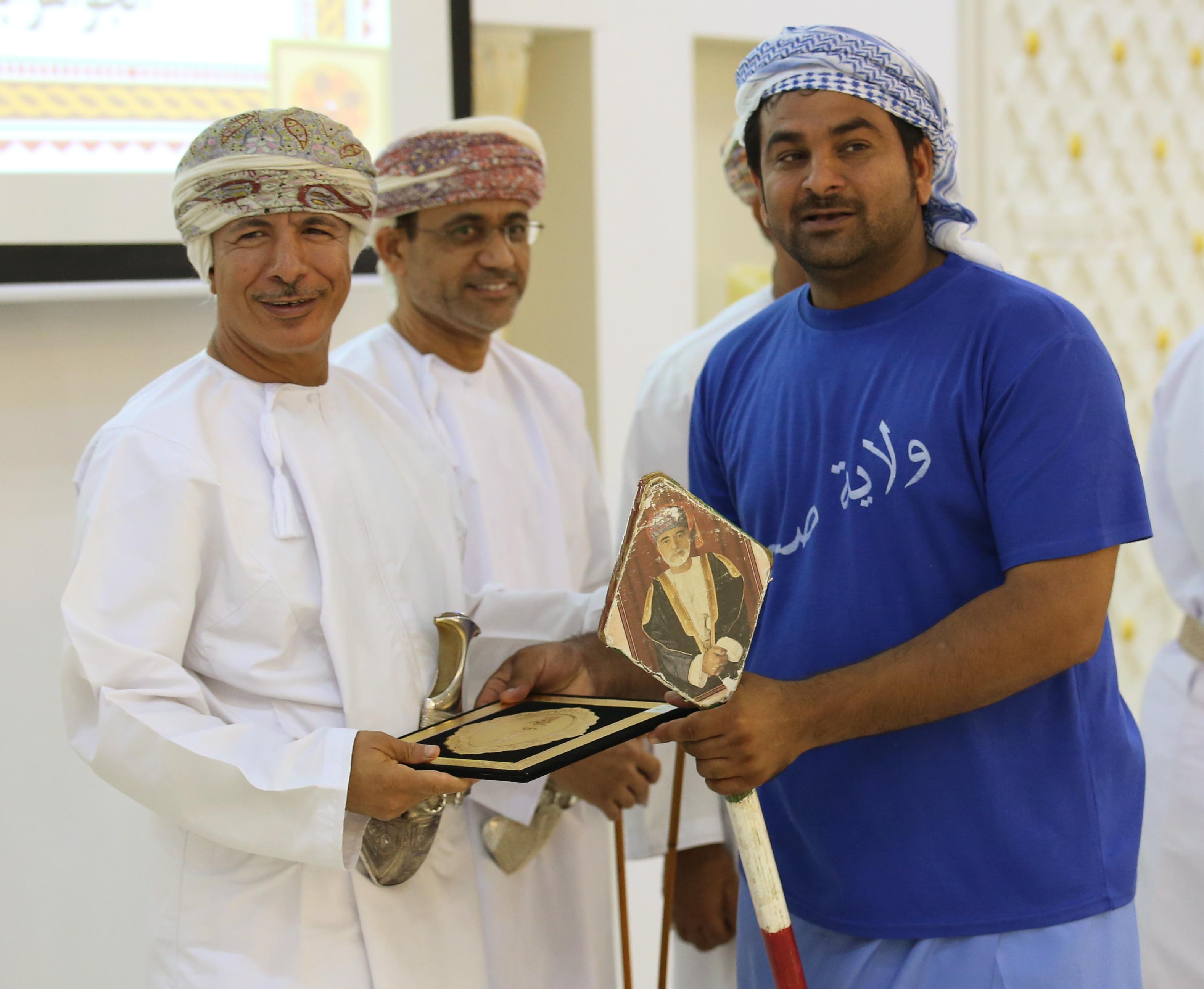 صحم: تكريم المشاركين في حملة عمان بلامشوهات