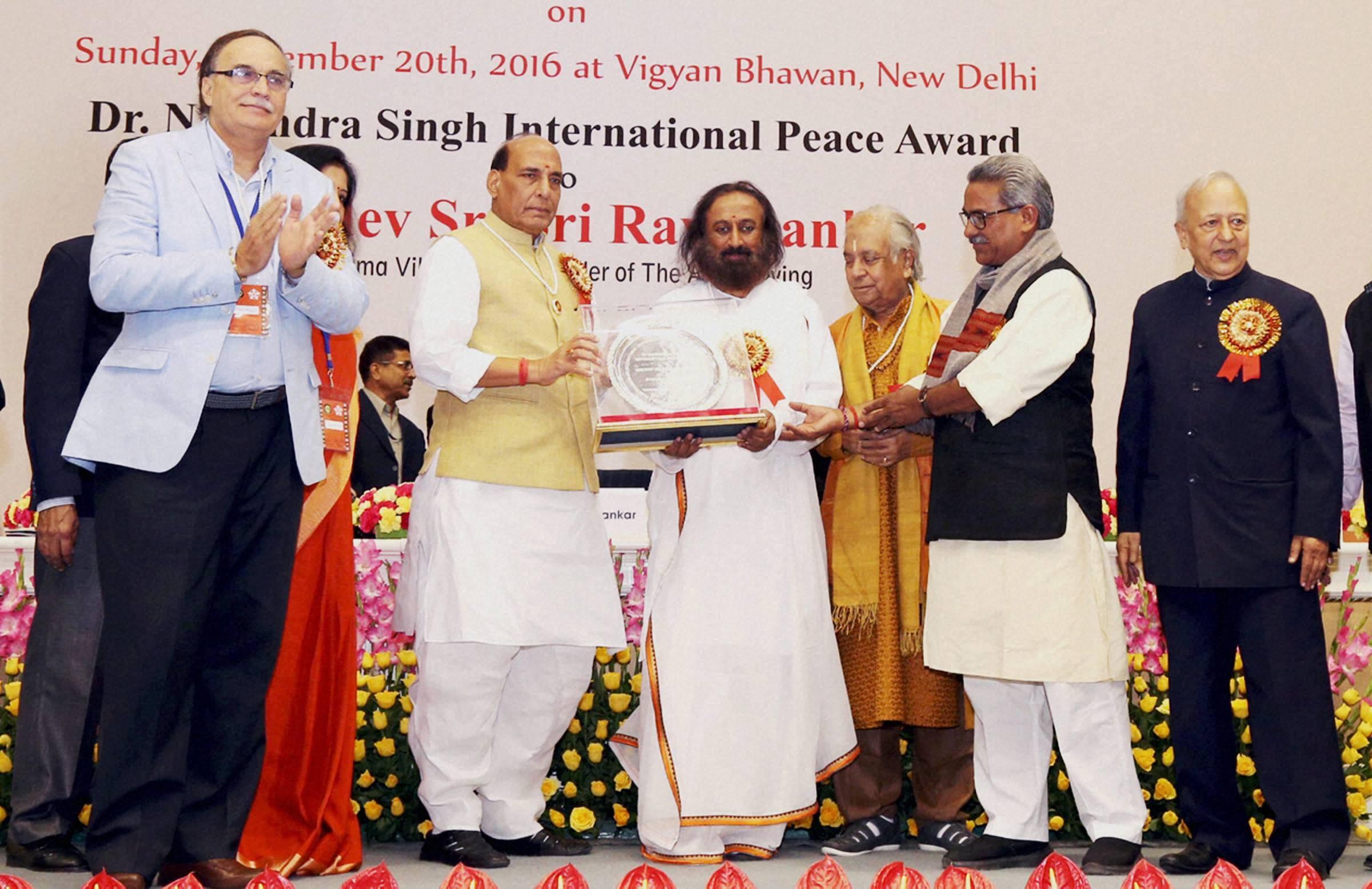 #SriSriRavishankar gets international peace prize