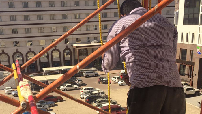 Safety gear must for expats working on high-rise buildings in Oman