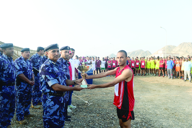 بمشاركة 160 متسابقاً «المهام الخاصة» تنظم سباق الجري السنوي
