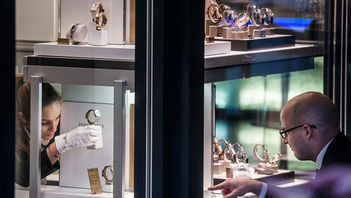 Swiss Watch exports drop 16%