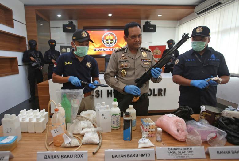 Indonesia police make more arrests in foiled Jakarta bomb plot