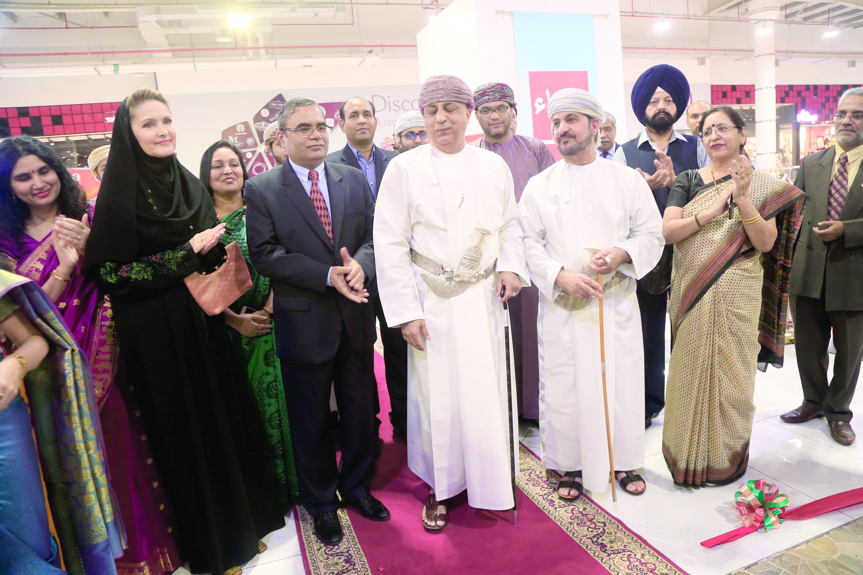 بالصور افتتاح معرض «الخطوط العربية» للسفارة الهندية