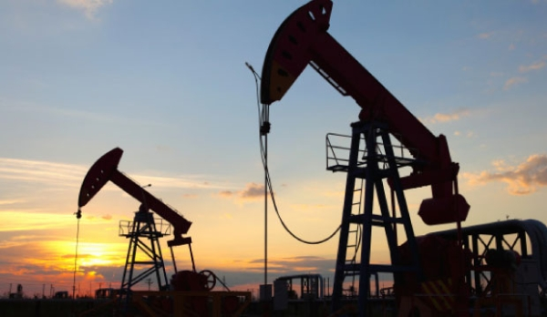 Non-Opec countries agree to cut oil output