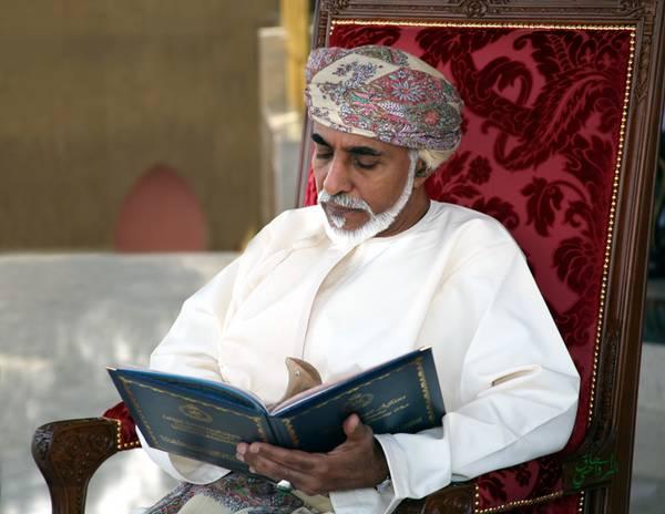جلالة السلطان يتلقى برقيتي شكر من خادم الحرمين
