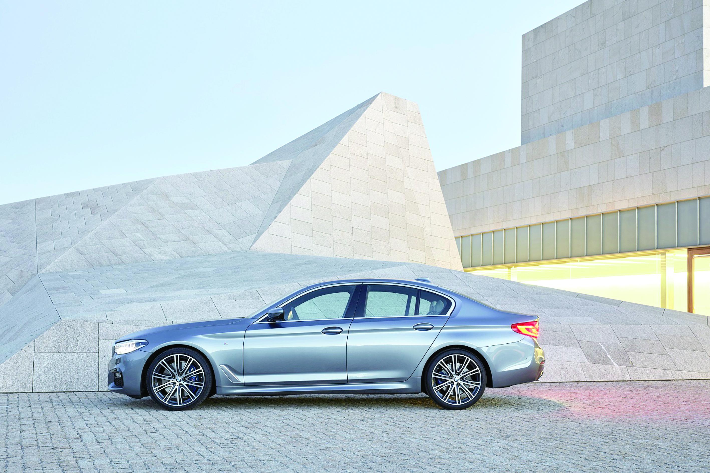 سيارة «BMW» سيدان الفئة الخامسة الجديدة تتمتع بمزايا مبتكرة