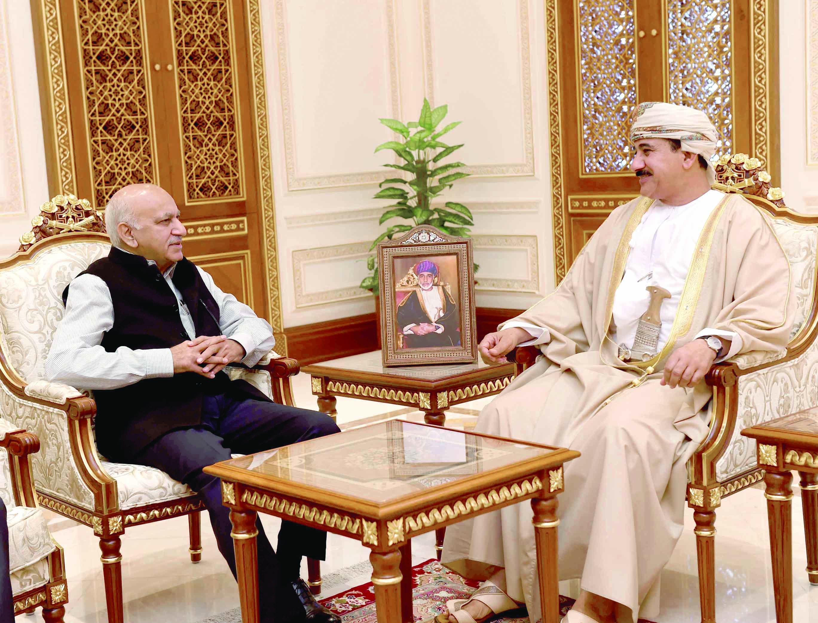 النعماني يستعرض مع الوزير الهندي العلاقات الثنائية