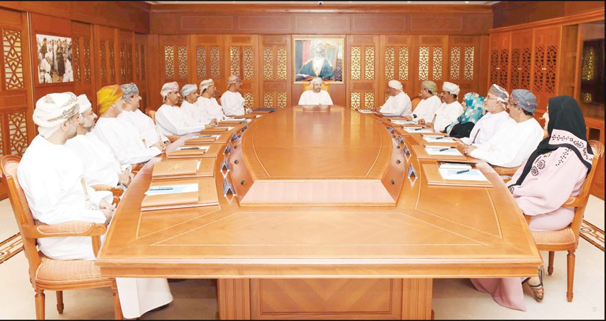 Minister reviews preparations for Oman's Municipal Council elections