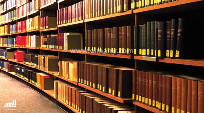 قراءات قصصية بمكتبة النهضة بظفار