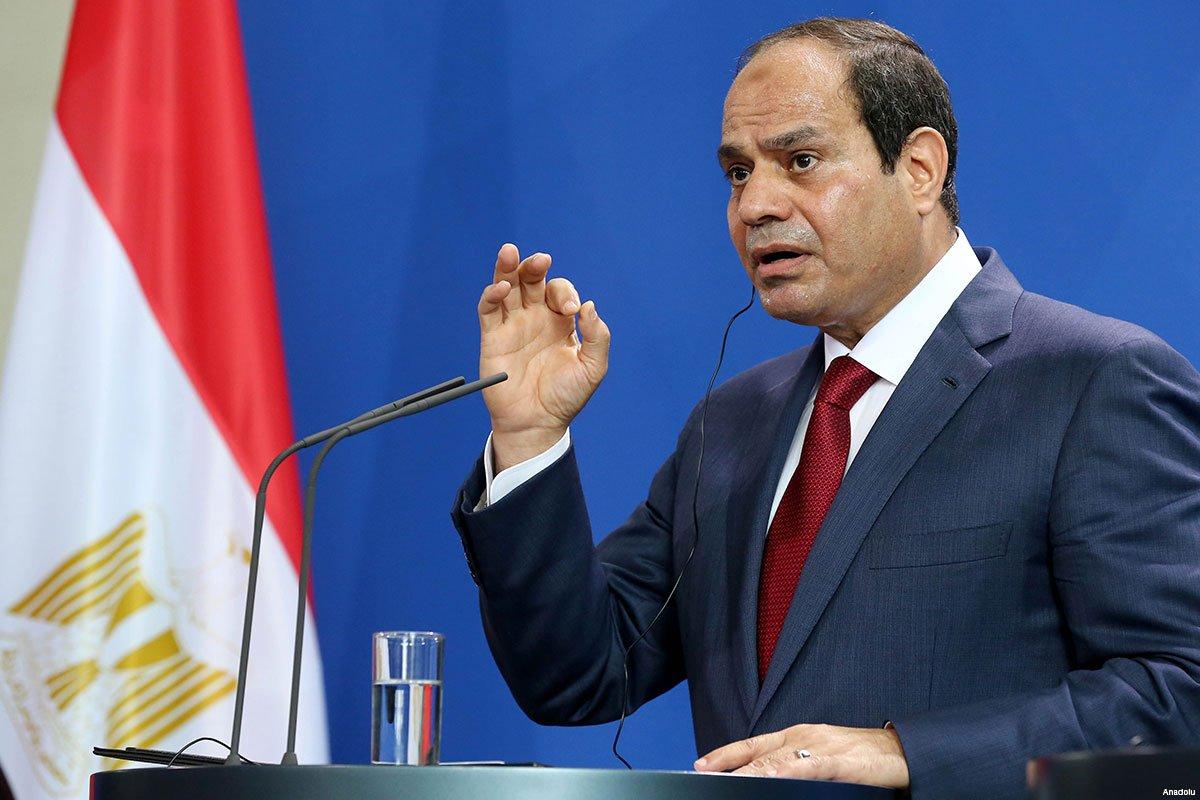 القرار صدر ليلاً.. السيسي يقيل اثنين من قادة القوات المسلحة المصرية