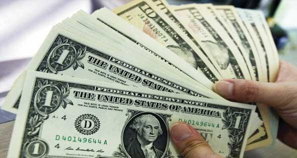 الدولار ... هل يتسبب في إقلاع المصريين عن التدخين؟