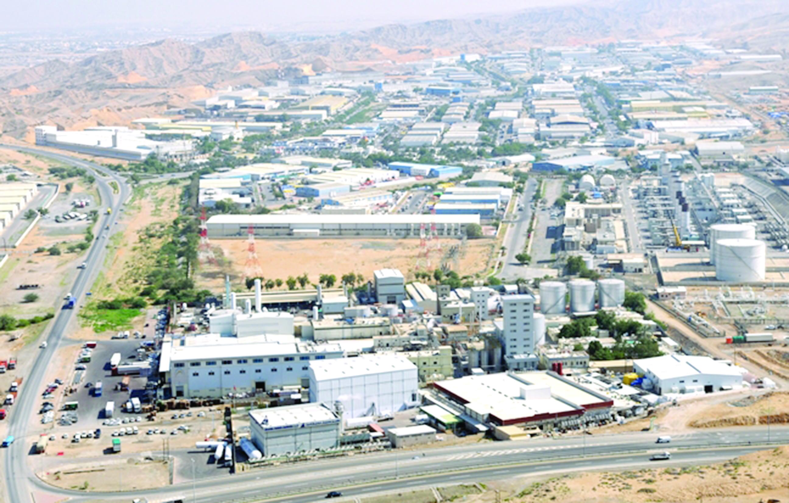رئيس الاتحاد العربي لتنمية الصادرات الصناعية لـ»الشبيبة»الاقتصاد العماني يخطو بتوازن نحو التنويع