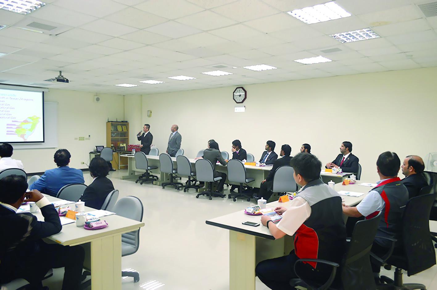وفد تجاري عماني يطلع على تجربة تايوان في مجال الاستزراع والصناعة