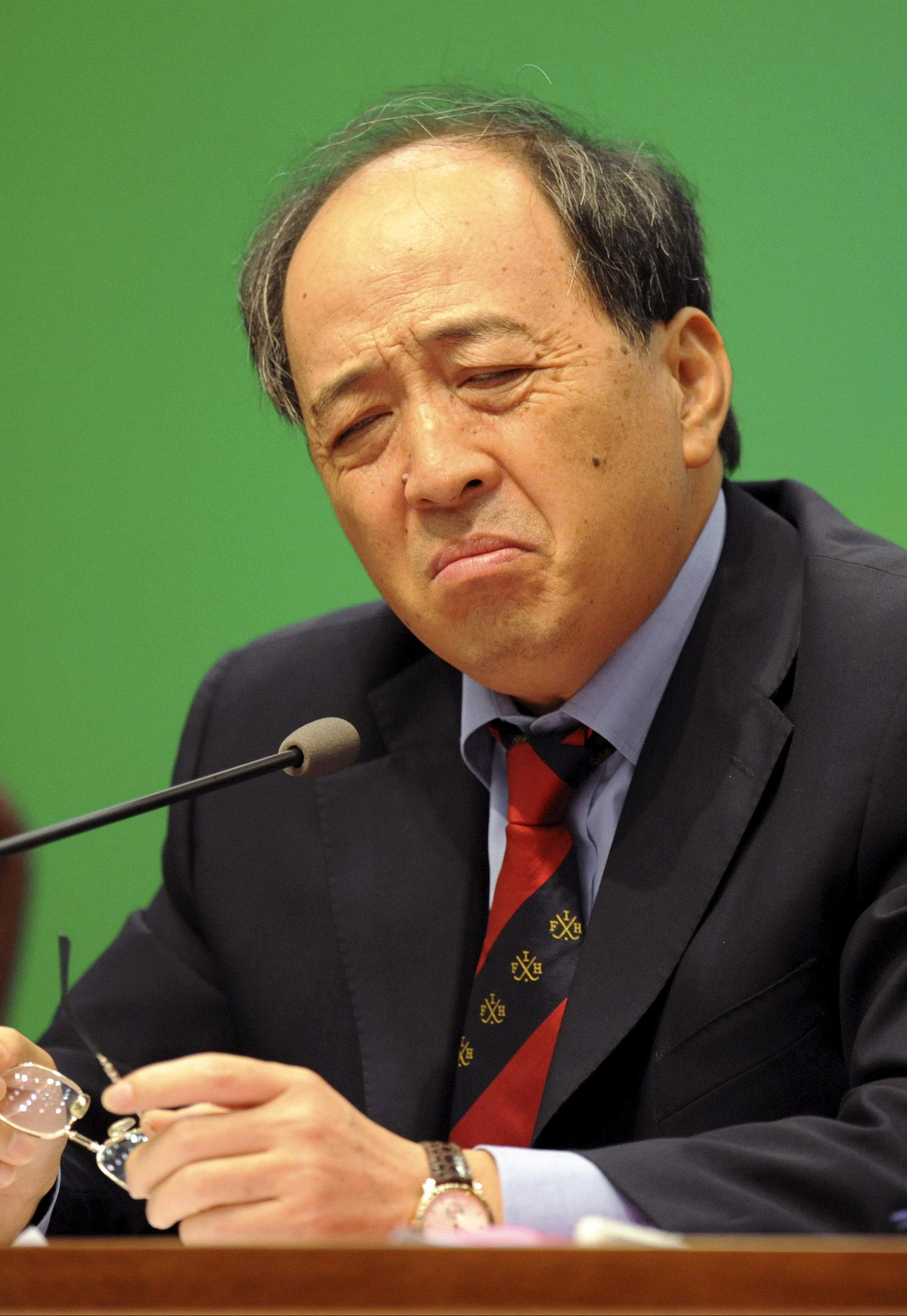 China jails former deputy sports minister for graft