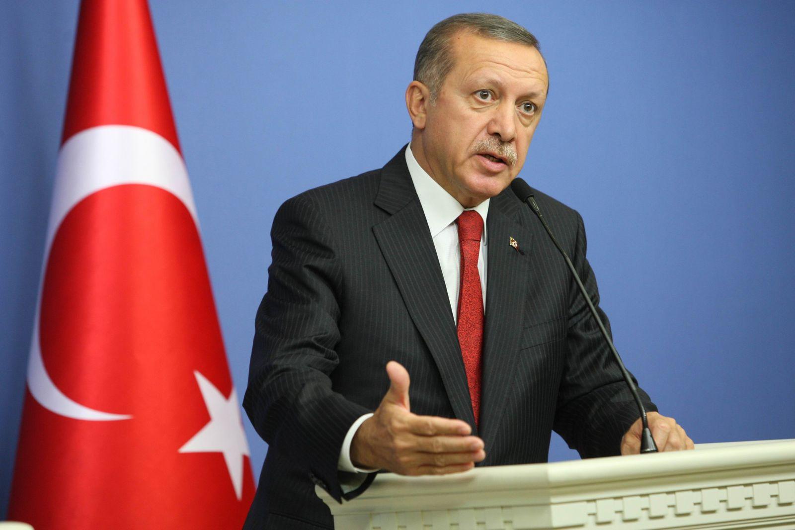 كيف استجاب الأتراك لدعوة أردوغان لدعم الليرة؟
