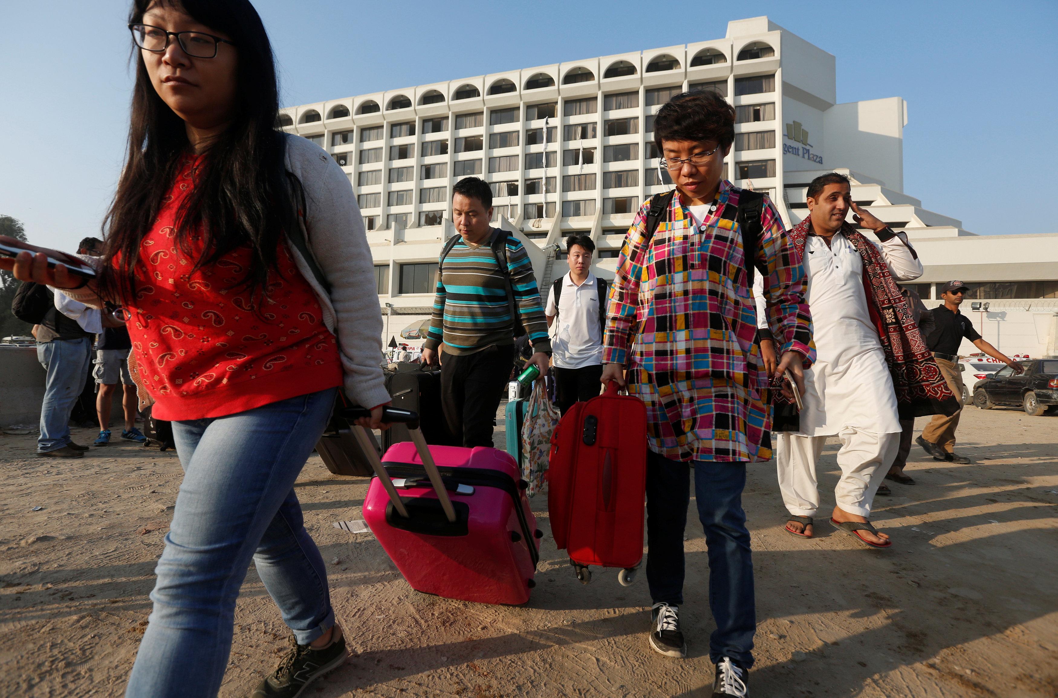 At least 11 killed in hotel blaze in Pakistan