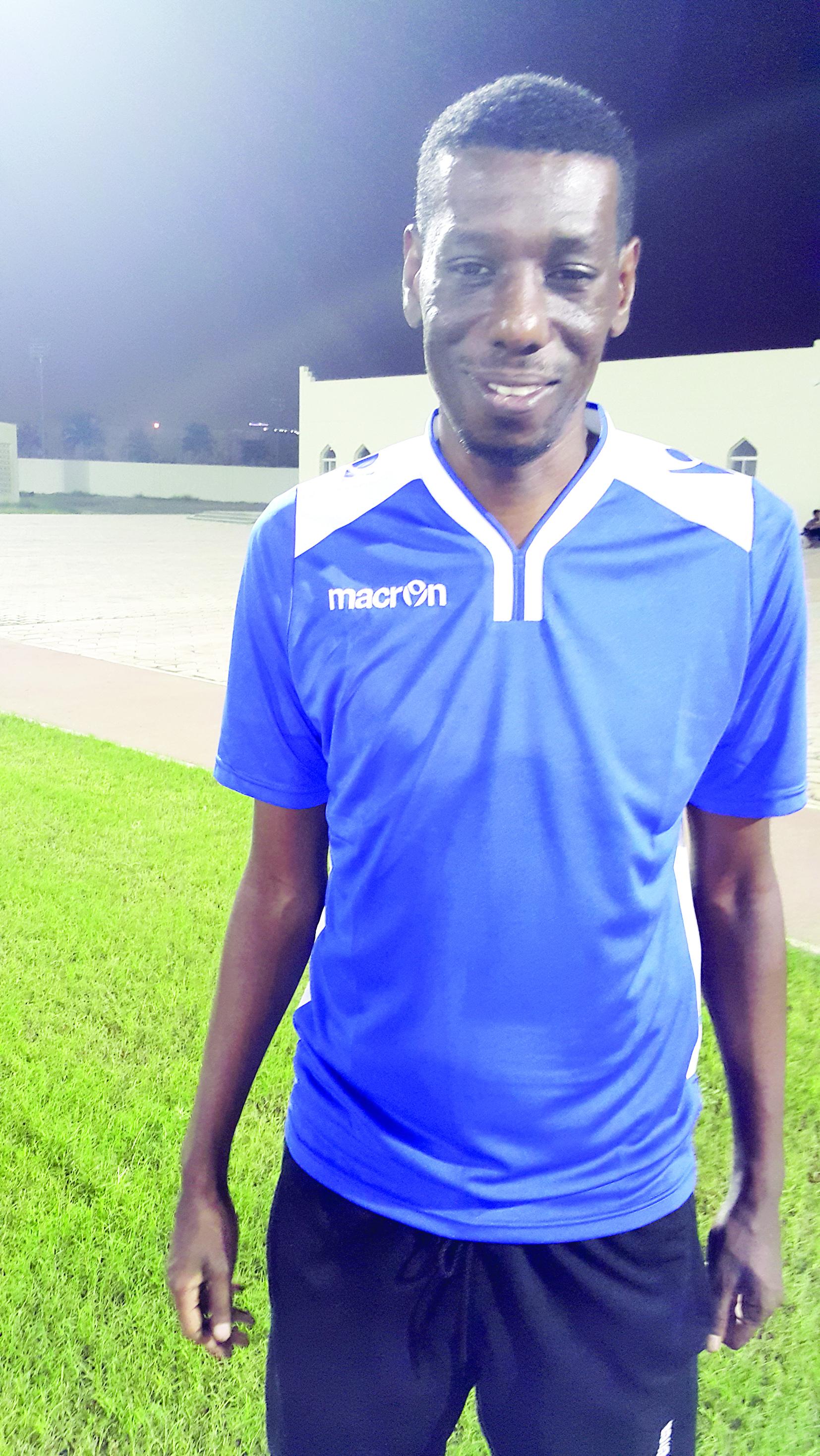 مدير جهاز الكرة بنادي النصر فوزي بشير:لوائح انتقالات اللاعبين بحاجة للمراجعة