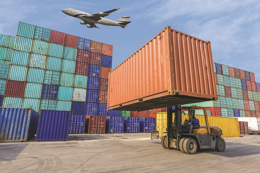 4.2 % ارتفاع أنشطة النقل والتخزين والاتصالات بالسلطنة