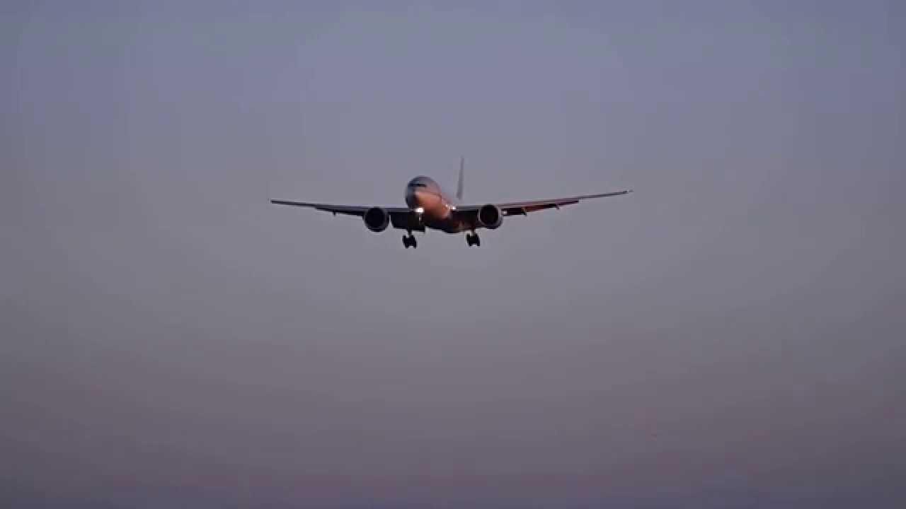 هبوط اضطراري لطائرة قطرية مع وقوع عدد من الجرحى