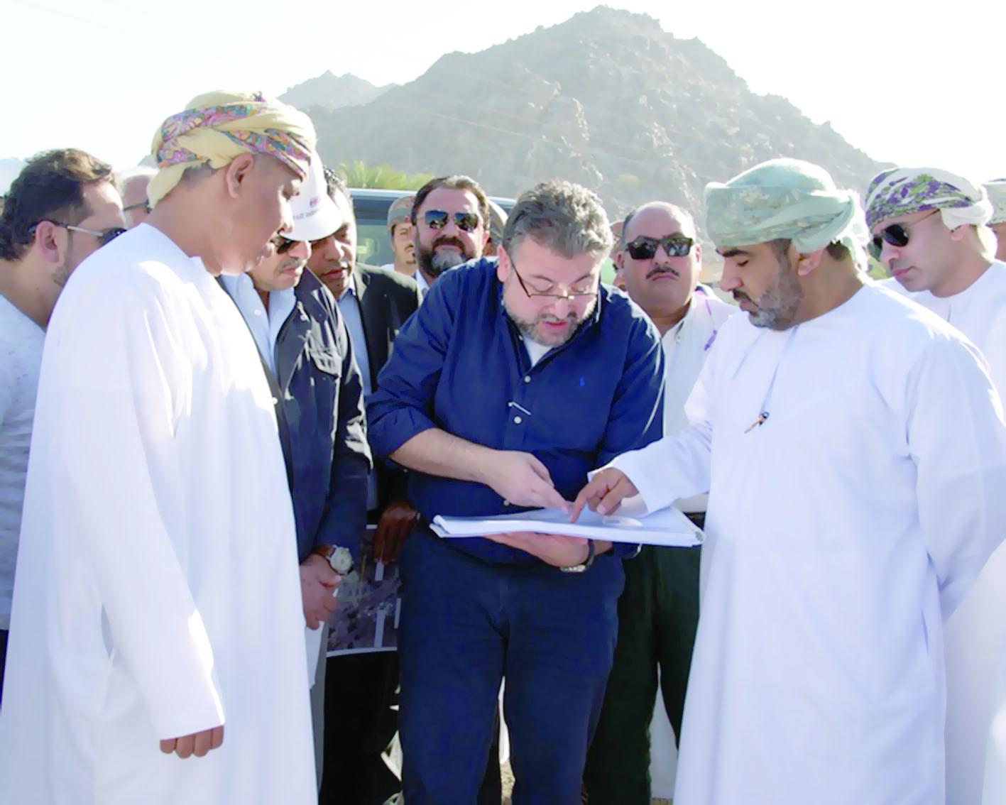 """وزير النقل والاتصالات: السلطنة أتمت التزامها في """"القطار الخليجي"""""""