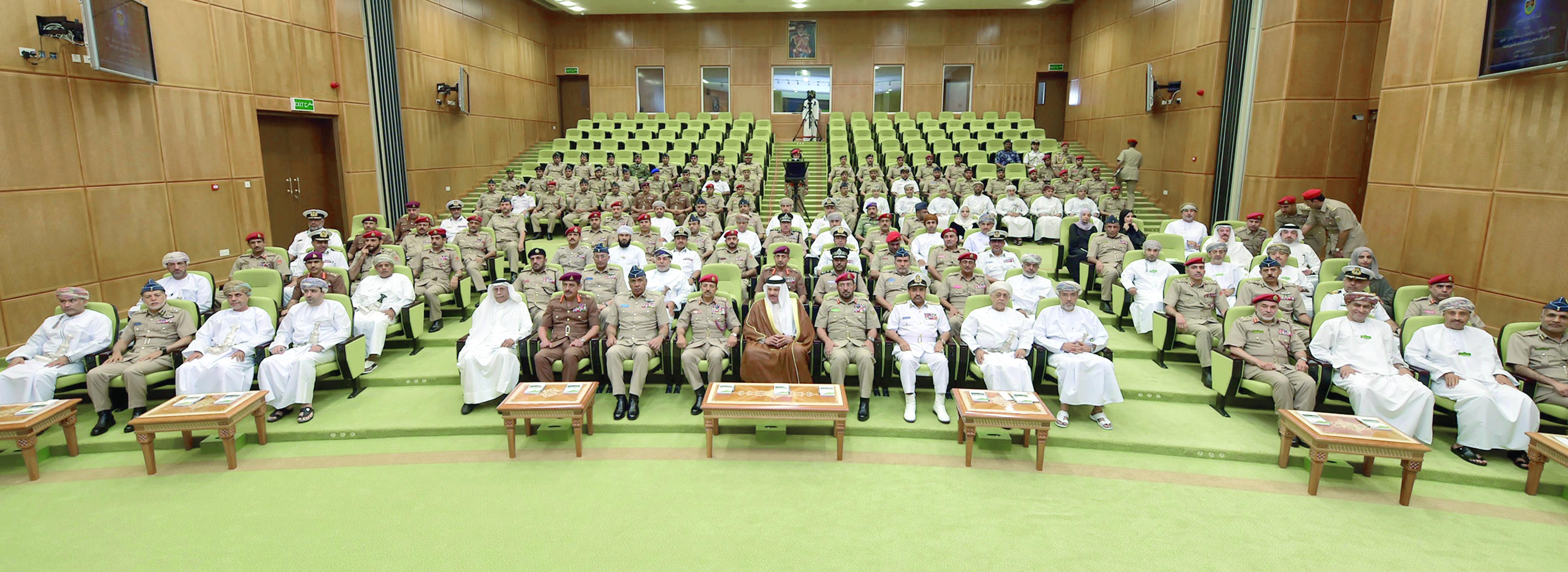 كلية الدفاع الوطني تستضيف أمين عام مجلس التعاون الخليجي