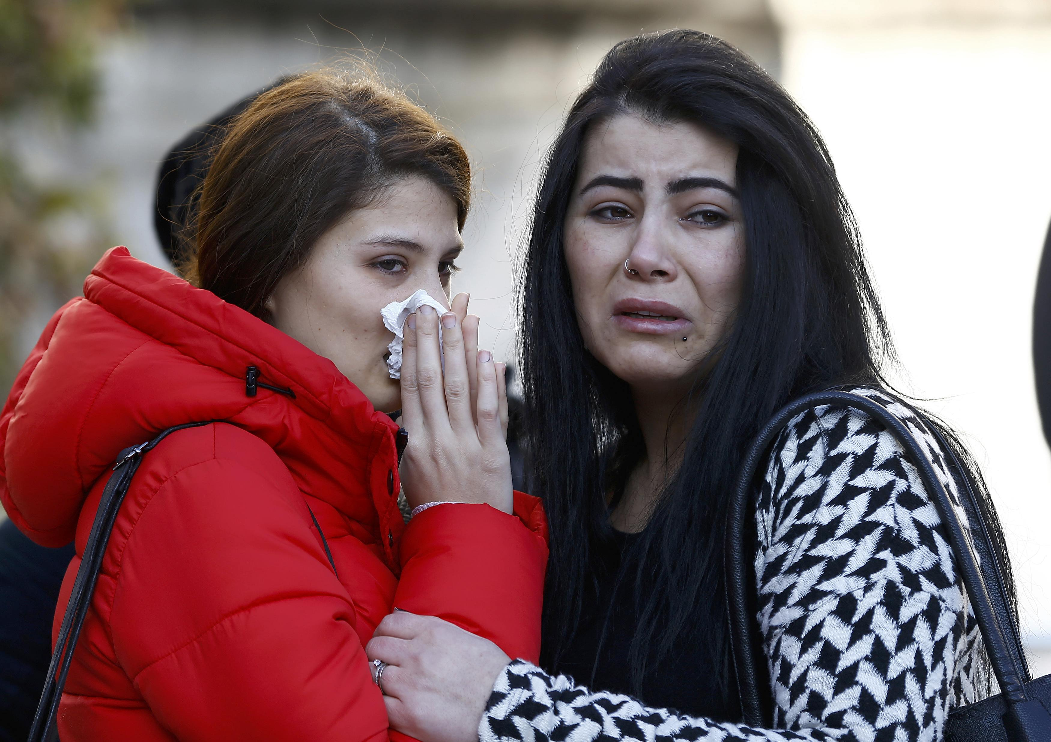 IS claims Istanbul attack, gunman remains at large