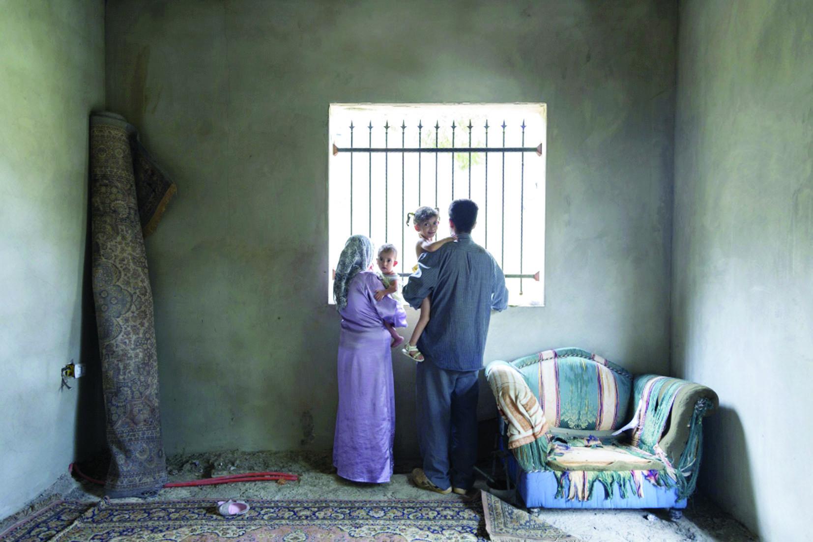 ترميم مساكن السوريين في لبنان لمواجهة برد الشتاء