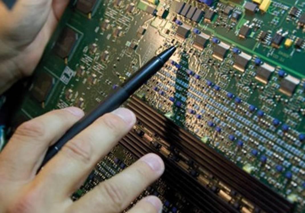 80% من مهندسي التكنولوجيا والاتصالات يعانون من مشاكل في العين بنيودلهي