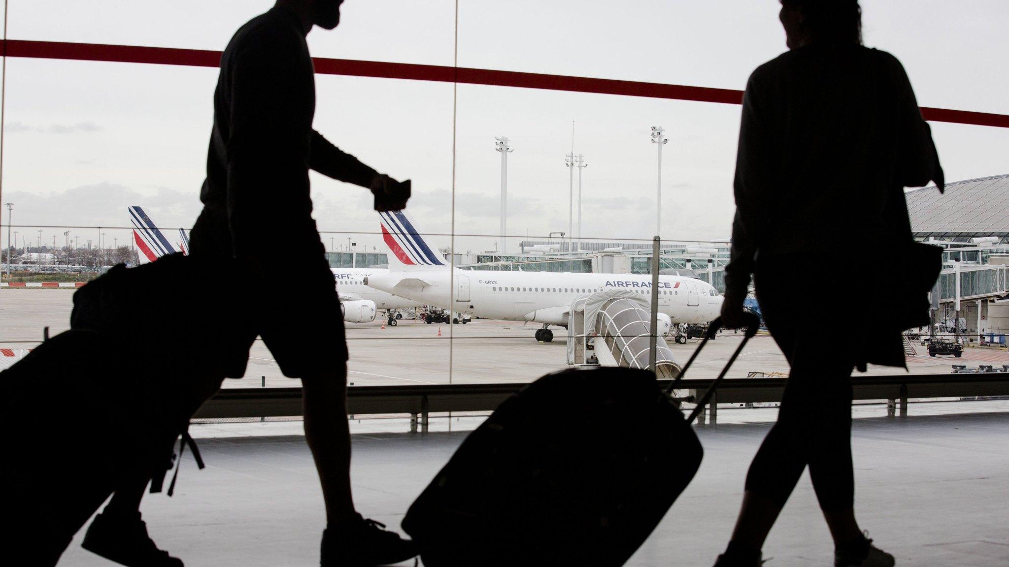"""قريباً.. وجهك """"جواز سفرك"""" بمطارات العالم"""