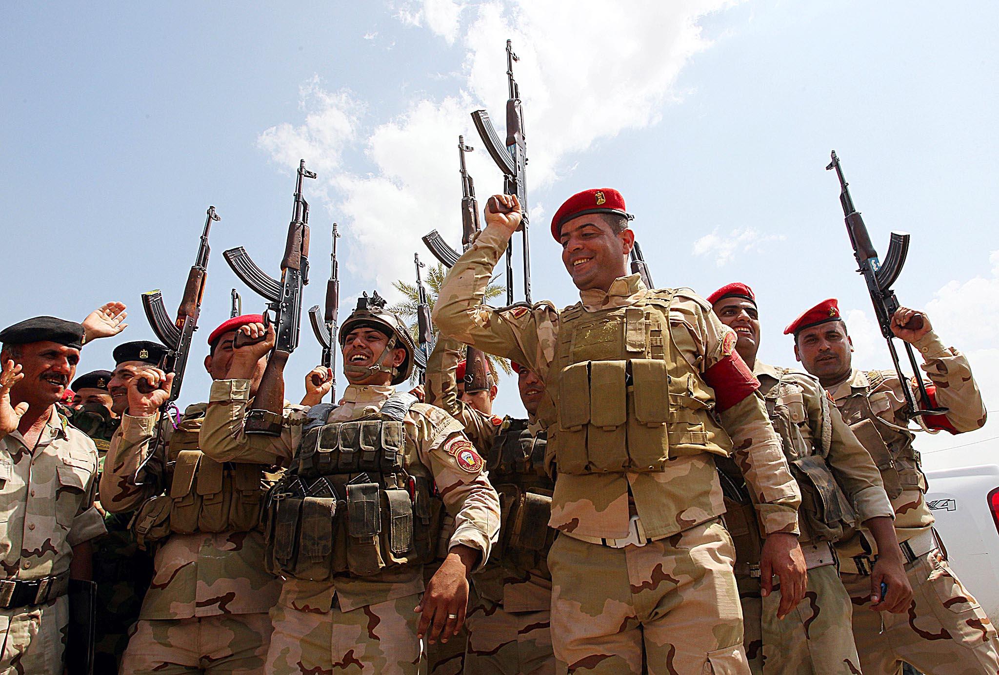 جنود عراقيون يتساءلون: لماذا يريد ترامب منعنا من السفر إلى أمريكا؟