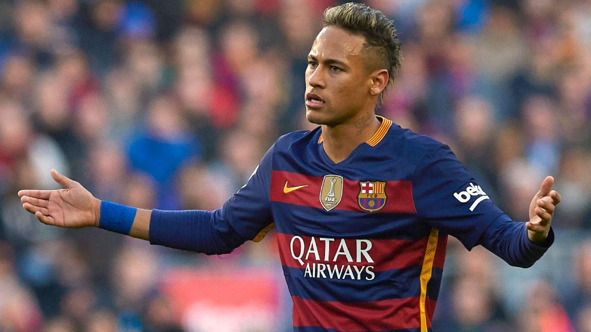 نيمار يسخر من عدم احتساب هدف صحيح لبرشلونة