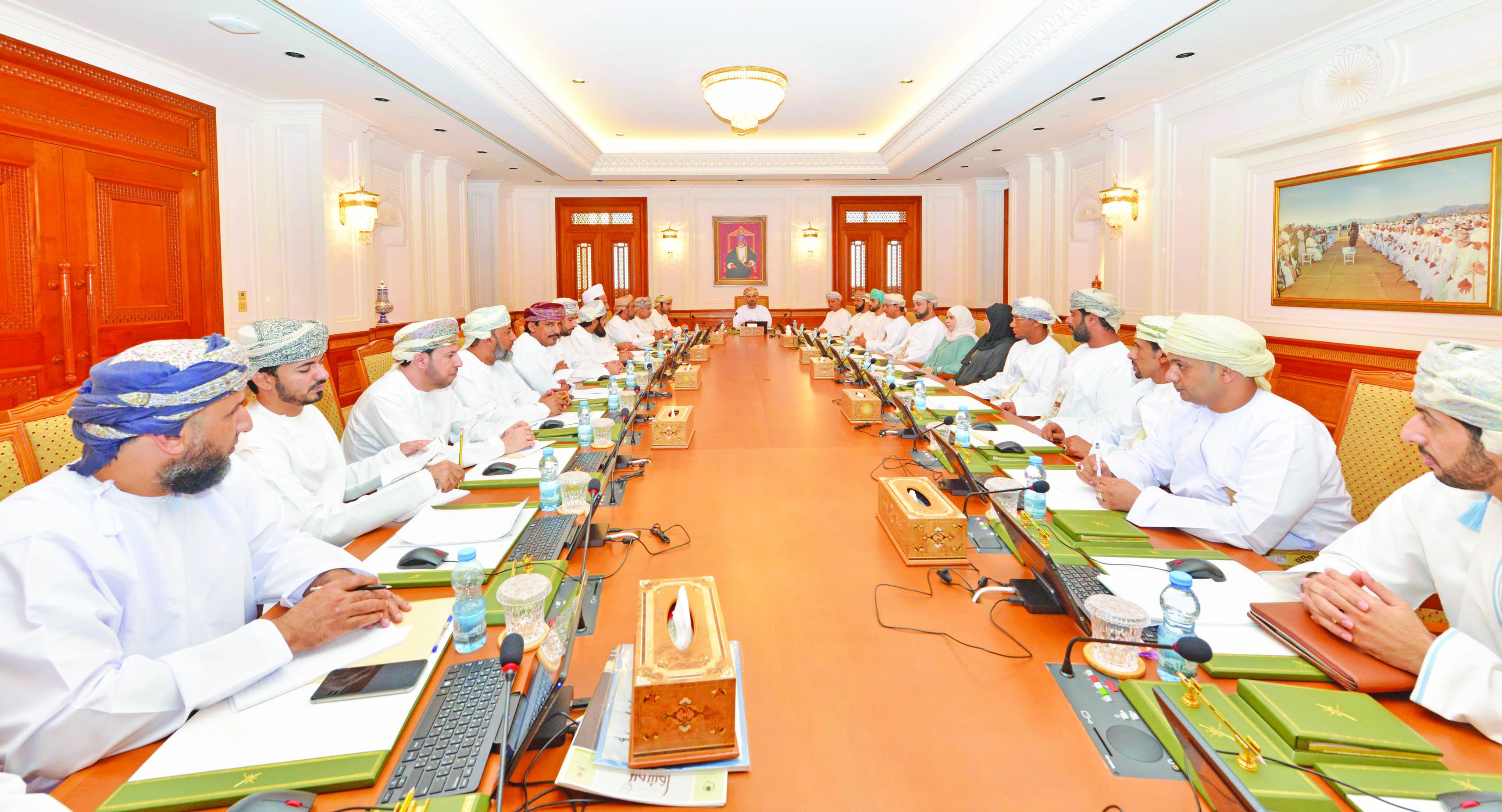 Majlis Al Shura, unions discuss layoffs, labour issues in Oman