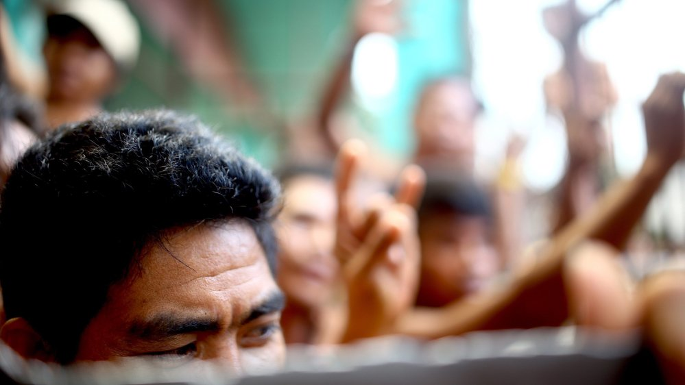 Armed men free more than 150 in Philippines jailbreak