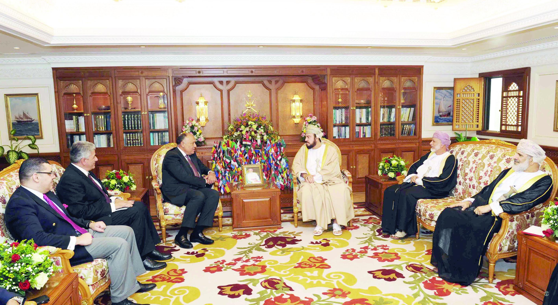 جلالة السلطان يتلقى رسالة شفهيَّة من الرئيس المصري