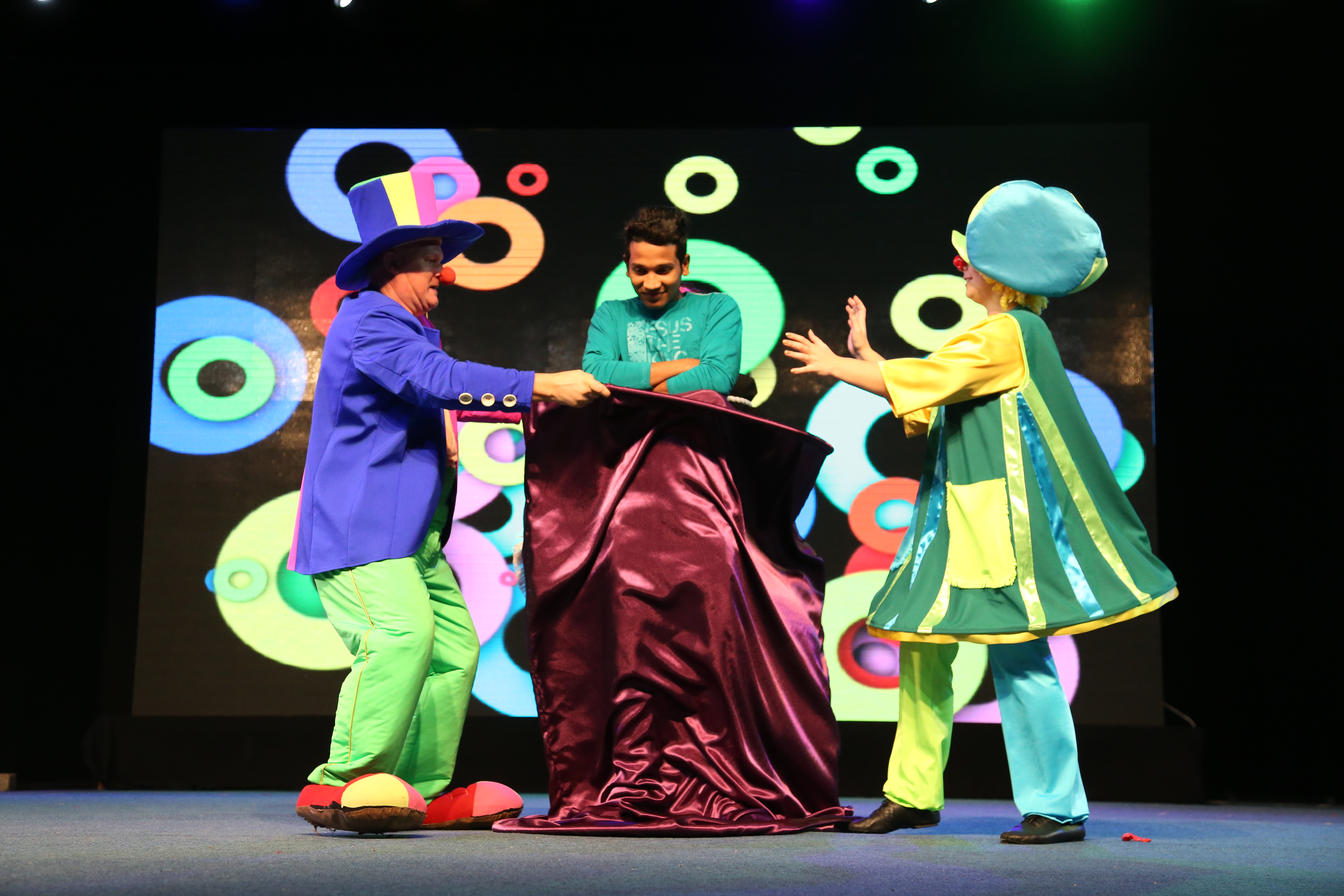 #OmanPride: Mesmerising stage shows at Muscat Festival