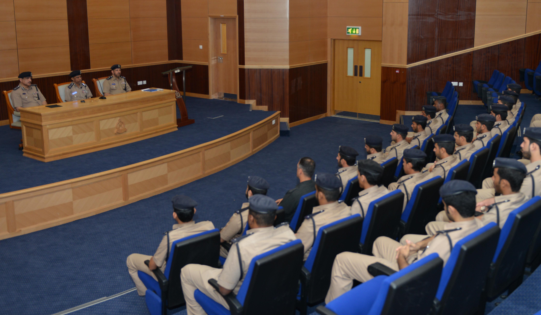 دورة الحماية الأمنية والحراسات بقيادة شرطة محافظة الداخلية