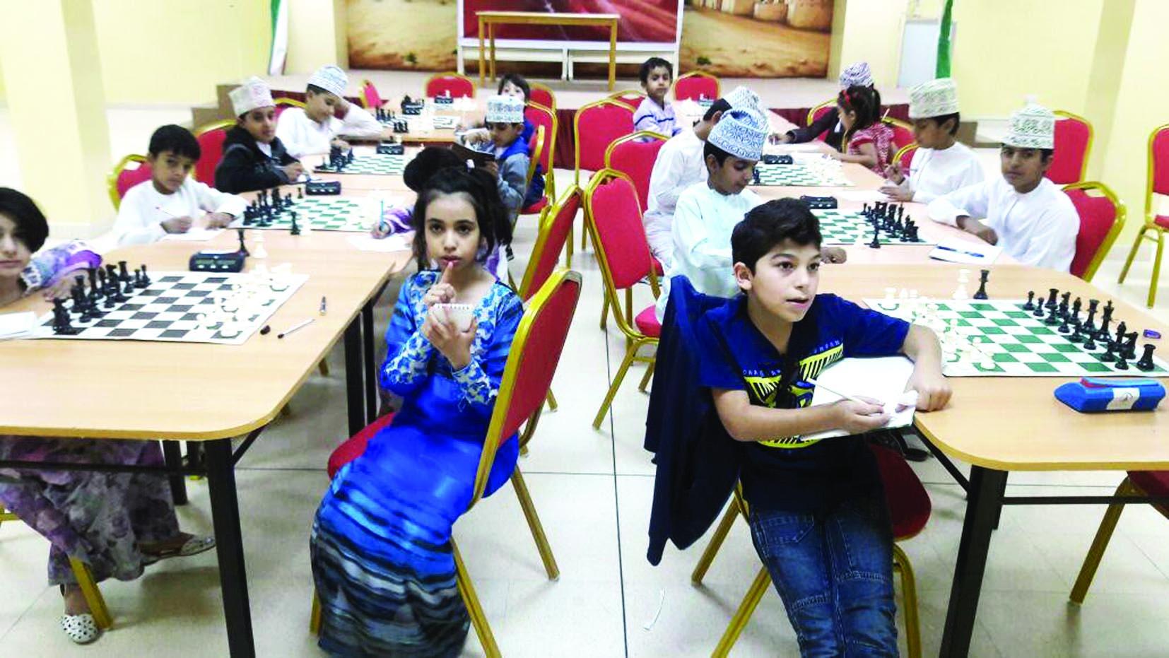 تقام بشراكة بين لجنة الشطرنج ومؤسسة الزبير تفاعل كبير تسجله مراكز إعداد لاعبي ولاعبات الشطرنج