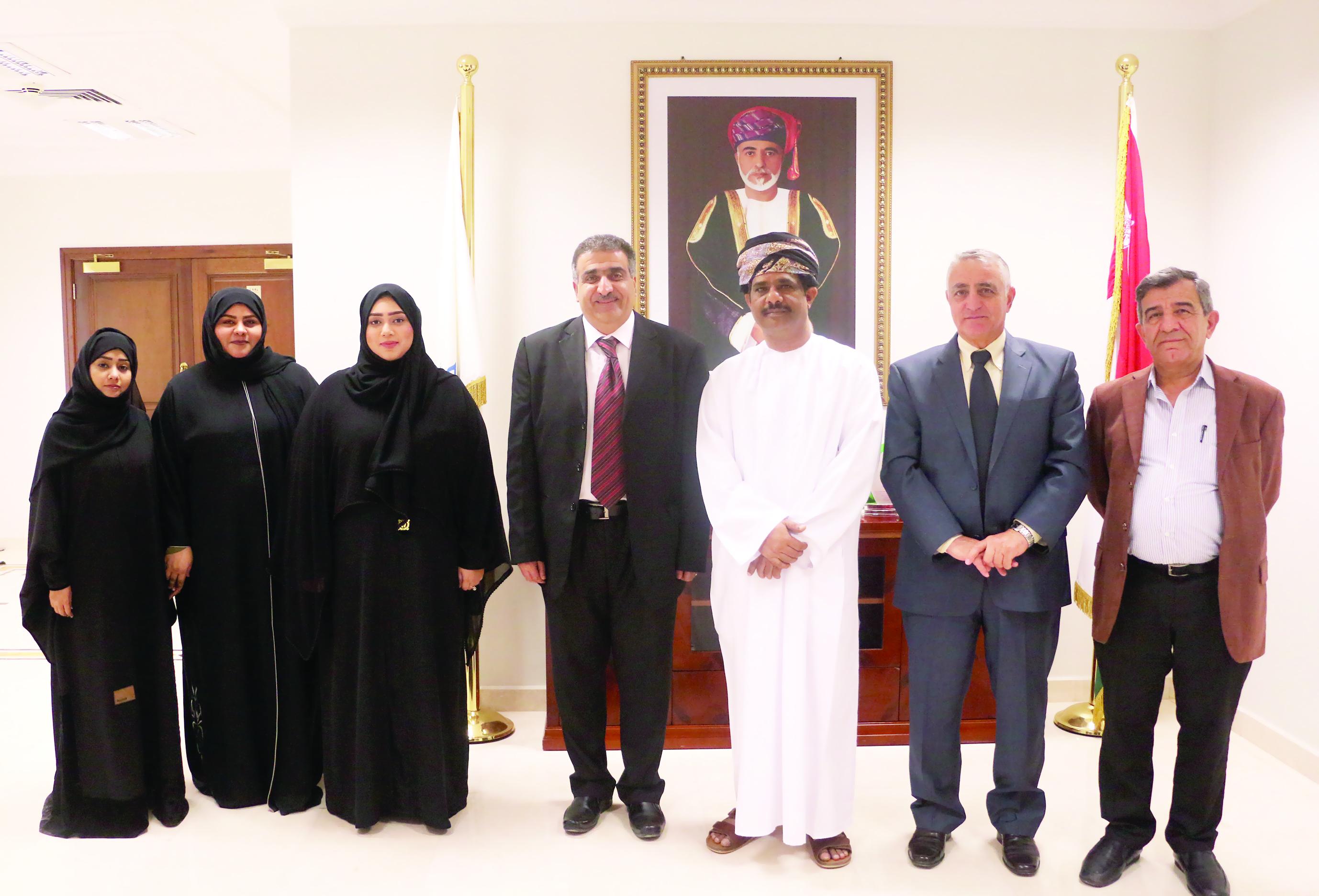 المراكز الأولى لطلبة جامعة ظفار في ملتقى الهندسة بجامعة السلطان قابوس
