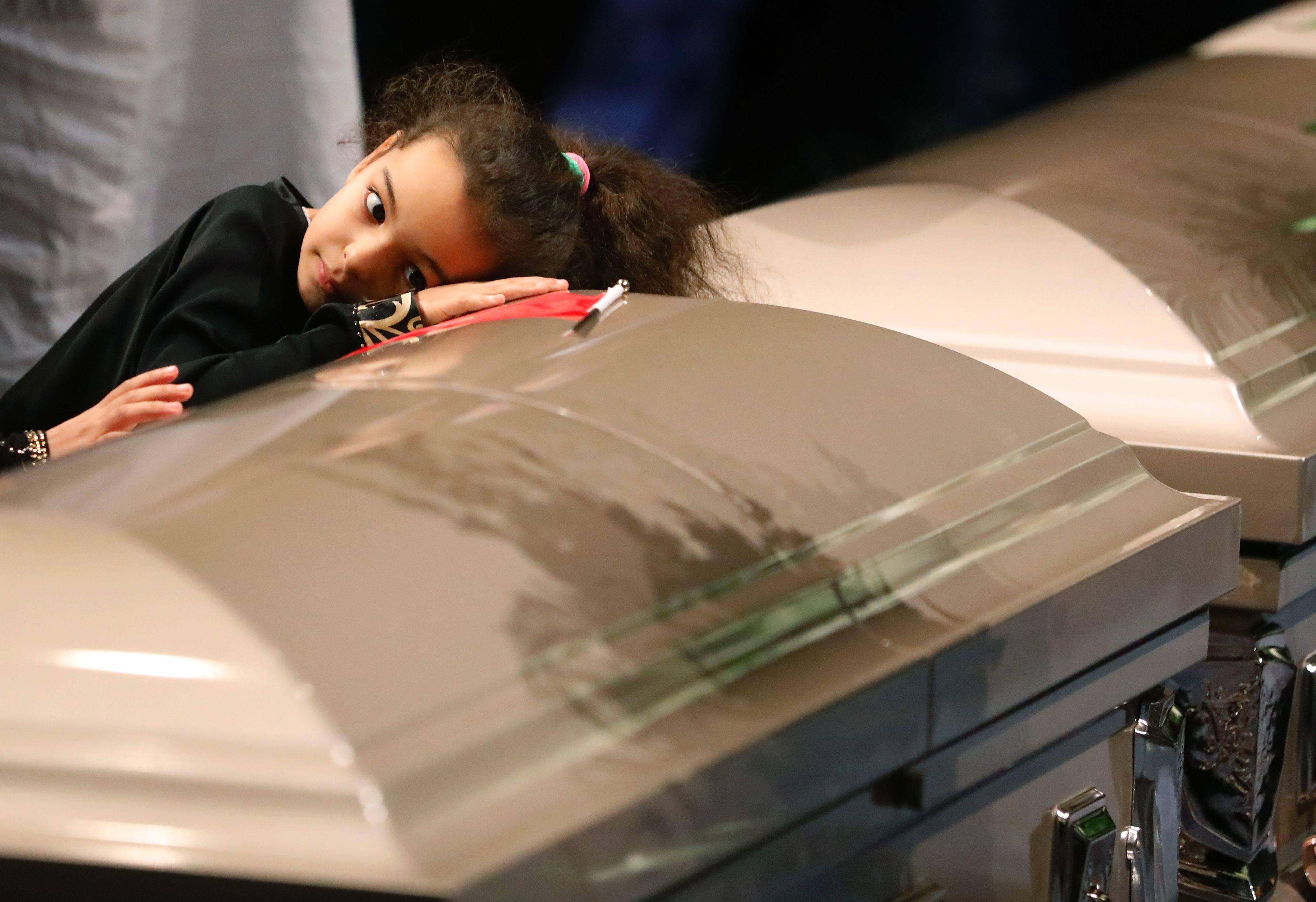 تشييع جثامين ثلاث ضحايا في الهجوم على مسجد في كيبك