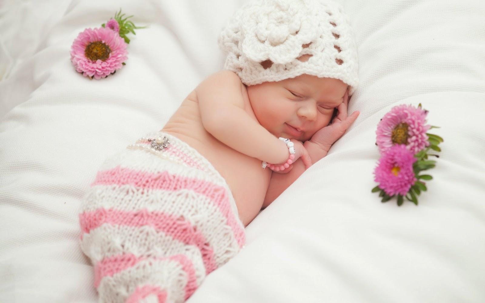 5 معتقدات خاطئة عن نوم المولود