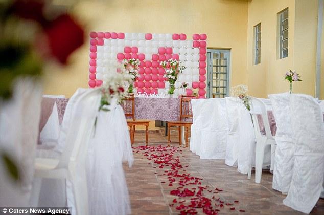 """""""أكبر عروسة بالعالم"""" تتحدى الأطباء وتصر على الزواج"""