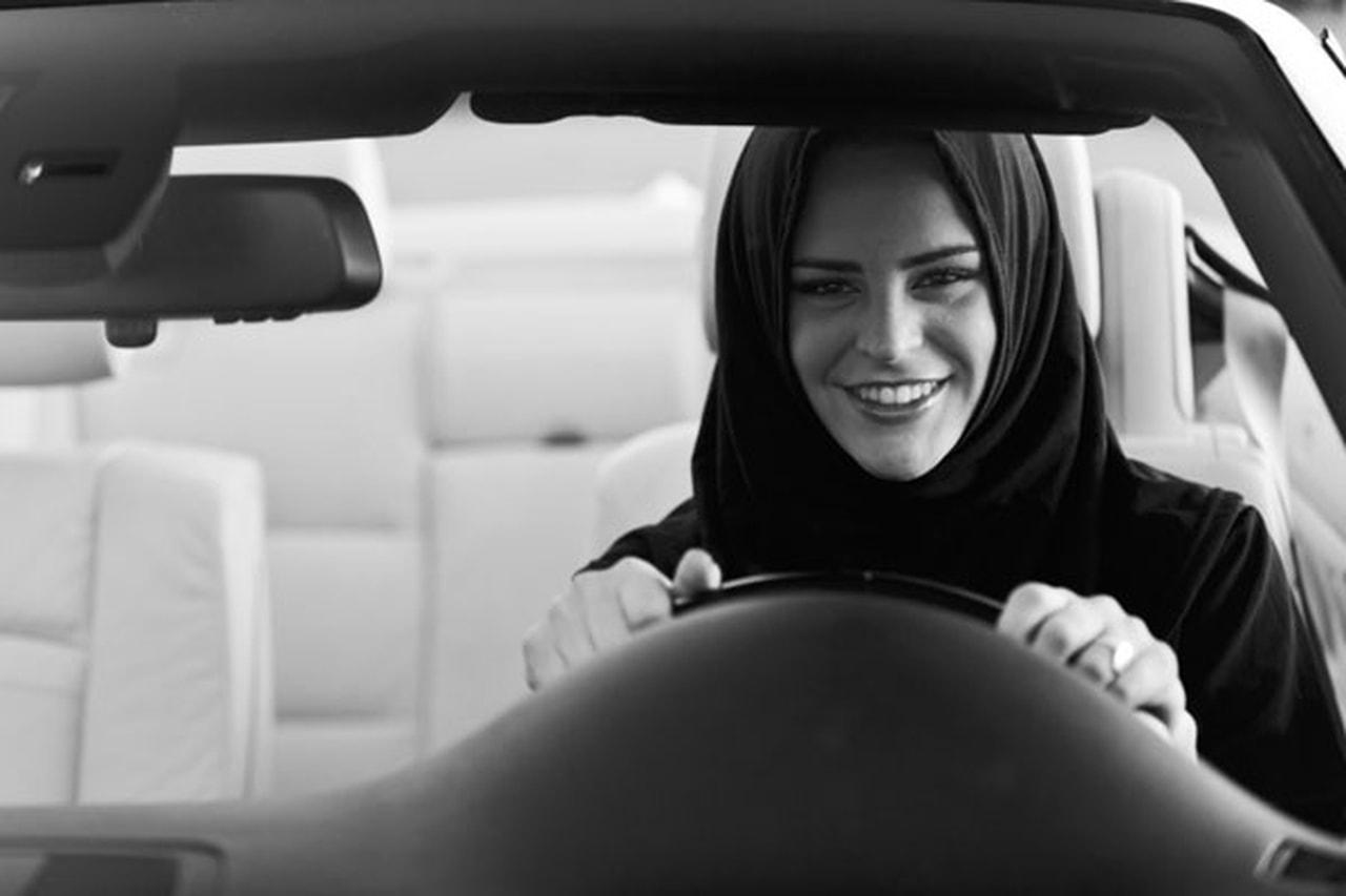 مخالفات الذكور 5 أضعاف الإناث على طرق الإمارات